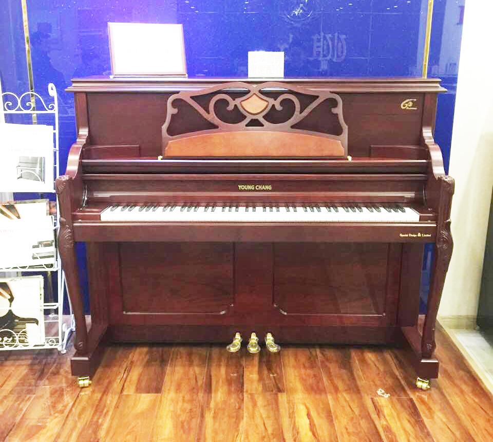 ——英昌钢琴